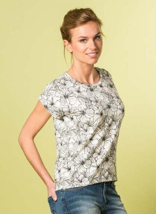 Women's T-Shirt - Free Sewing Pattern (Sizes 30-48 Eur)