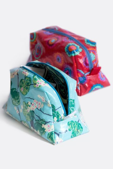 Cosmetic Bags Sewing Pattern In Small And Large Sizes