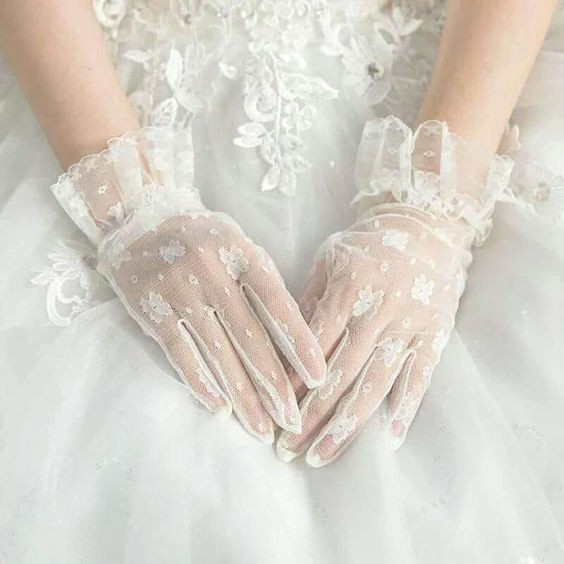 Sheer Lace Gloves Sewing Pattern For Women (Sizes 6-10)